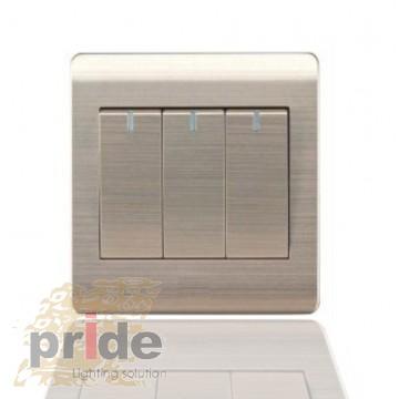 Pride A66-K03В Трехклавишный  проходной выключатель